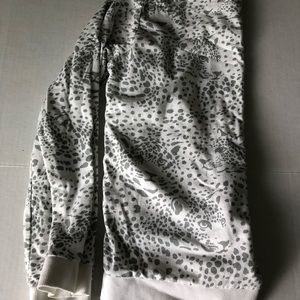 Girl sweater & skirts